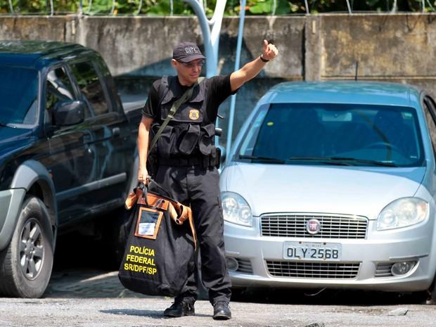Polícia deflagra Operação Minotauro em Pernambuco e outros quatro estados (Foto: Marlon Costa/Pernambuco Press)