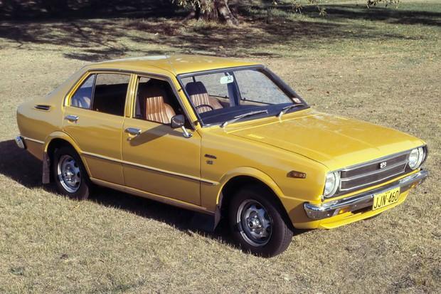 Terceira geração do Corolla estava bem maior e mais retilínea (Foto: Divulgação)