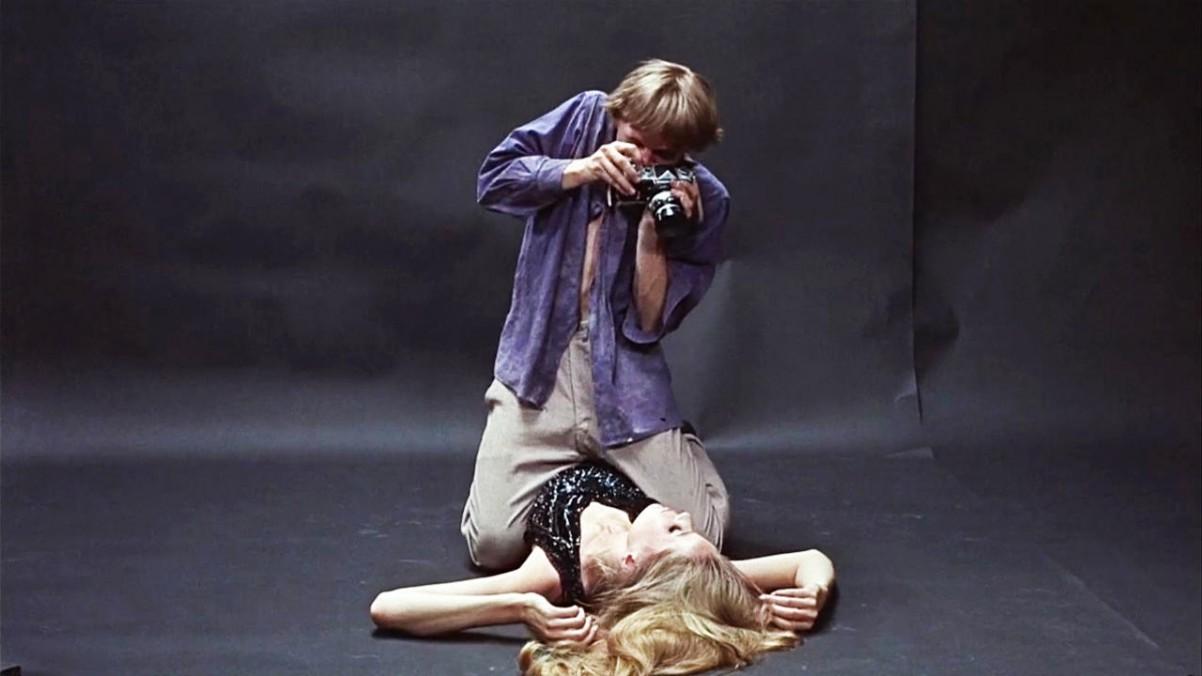 Cena de 'Blow-Up', de Michelangelo Antonioni (Foto: Reprodução/Youtube)
