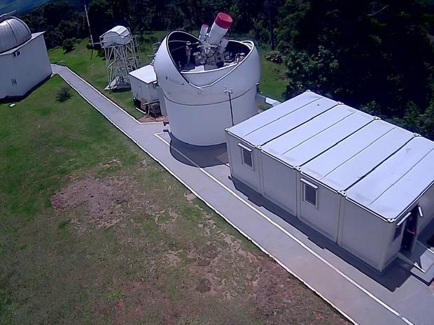 Telescópio russo PanEos instalado no Observatório Pico dos Dias, em Brazópolis, MG (Foto: LNA/Divulgação)