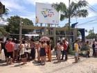 Em greve, funcionários terceirizados da UFF impedem entrada de alunos