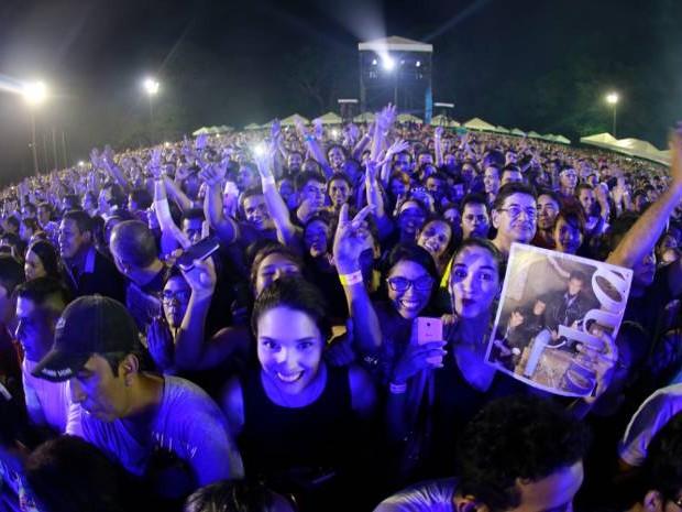 Milhares de fãs foram até Barcarena ver de perto a banda A-ha. (Foto: Tarso Sarraf/O Liberal)