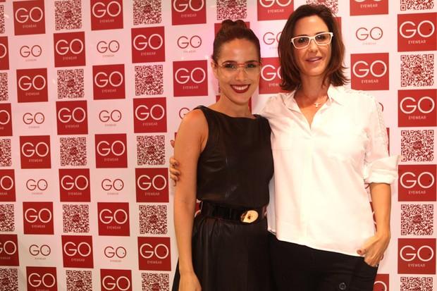 Wanessa e Guilhermina Guinle em feira de óculos em São Paulo (Foto: Iwi Onodera / EGO)