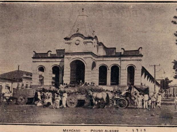 Livro resgata história do Mercado Municipal de Pouso Alegre, MG (Foto: Claudemir Camilo / EPTV)