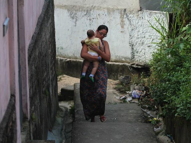 Mylene Ferreira e Davi Henrique - 1 ano microcefalia (Foto: Marlon Costa/Pernambuco Press)