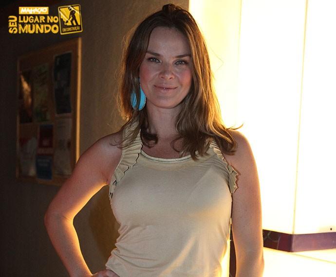 Letícia Birkheuer interpreta a professora Monique em 'Malhação' (Foto: Fabiano Battaglin/Gshow)