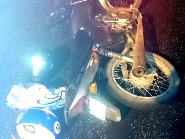 Moto roubada foi apreendida em Santos (Foto: Divulgação / Polícia Militar)