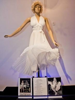 """Réplica do vestido de Marilyn Monroe em """"O pecado mora ao lado"""" (1955) (Foto: Divulgação/Ita Kirsch)"""