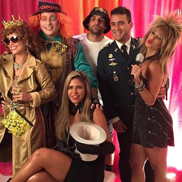 Suzana Pires, Leo Fuchs, Ricardo Baroni, André Marques, Raquel Baroni e Dany Bananinha (Foto: Instagram / Reprodução)