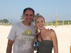 Humberto Martins aceita desafio de Angélica e faz manobras no kayaksurf