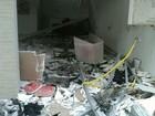 Criminosos explodem caixas e agência fica destruída em Medeiros