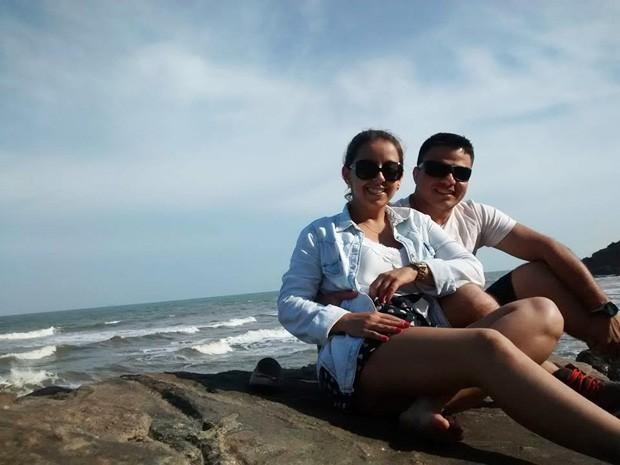 Lais e Ricardo se conheceram na praia, em São Vicente (Foto: Arquivo Pessoal)