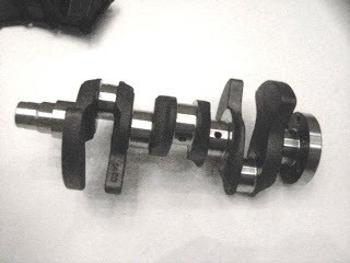 Virabrequim, peça que tem como função transformar movimento linear do pistão em rotatório (Foto: Divulgação)