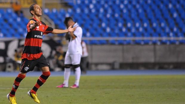 Rafinha gol Flamengo x Vasco (Foto: Bruno Turano / Ag. Estado)
