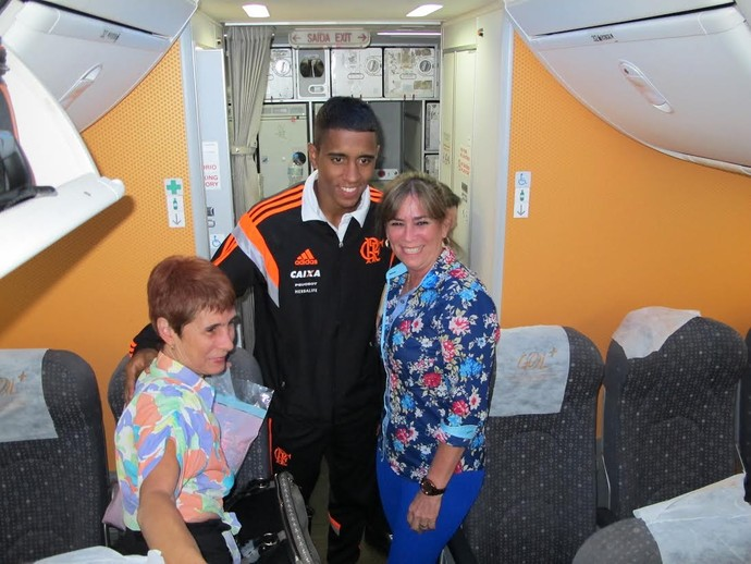 Gabriel Flamengo desembarque Manaus (Foto: Cahê Mota)