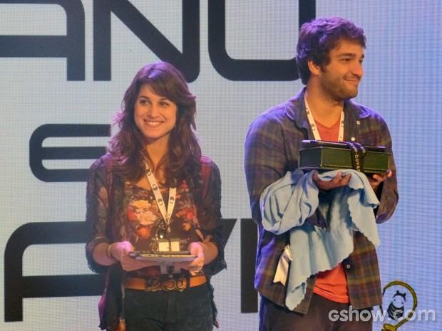 Davi e Manu apresentam Júnior (Foto: Geração Brasil / TV Globo)