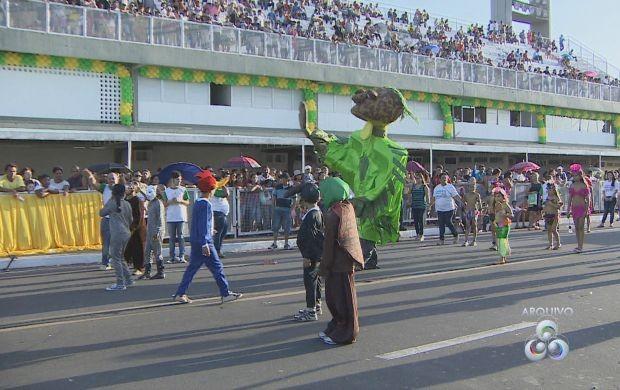 Desfile vai contar com escolas dos 16 município do estado (Foto: Amapá TV)