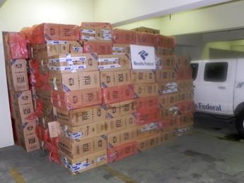 Cargas de cigarros foi apreendida em Pelotas (Foto: Divulgação)