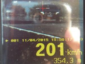 Motorista foi autuado na freeway (Foto: Polícia Rodoviária Federal/Divulgação)