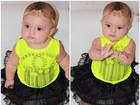 Ex-BBB Karla posta novas fotos de sua 'it-baby' com look do dia