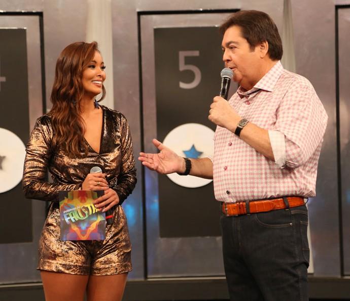 Faustão anuncia saída de Nakamura do 'Domingão' (Foto: Carol Caminha/Gshow)