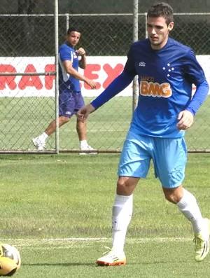 Léo Bonatini cruzeiro treino (Foto: Tarcisio Badaro)