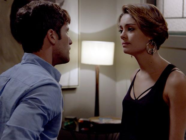 Alice diz que não é mais o amor de Murilo (Foto: TV Globo)