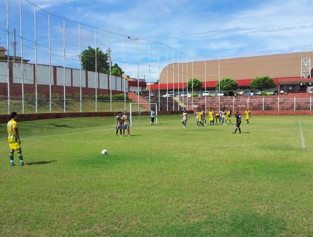 Jogo-treino Rio Branco-ES x Tupy-ES (Foto: Eduardo Dias/Globoesporte.com)