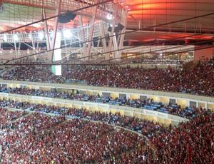 Setor de cadeiras cativas teve grande ocupação, mas telão anunciou que 2.440 (de 4.968) foram usadas (Foto: Vicente Seda)