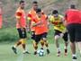 Regenerativo, lesão de Dátolo e treino de reservas: Vitória se reapresenta