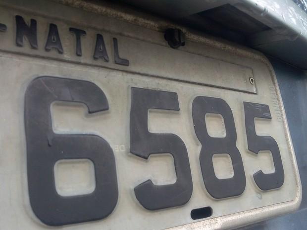 Proprietários de veículos que possuem placas com finais 1 ou 2 devem pagar taxa de financiamento até os dias 11 e 12 de abril (Foto: Renato Vasconcelos/ G1)