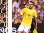 """Daniel Alves afirma que gol """"não é  tão especial"""" por não ser o da vitória"""