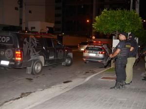 Policiais militares do 1º Batalhão participaram de operação surpresa para fiscalizar reeducandos do semi-aberto (Foto: Ascom / Seris)