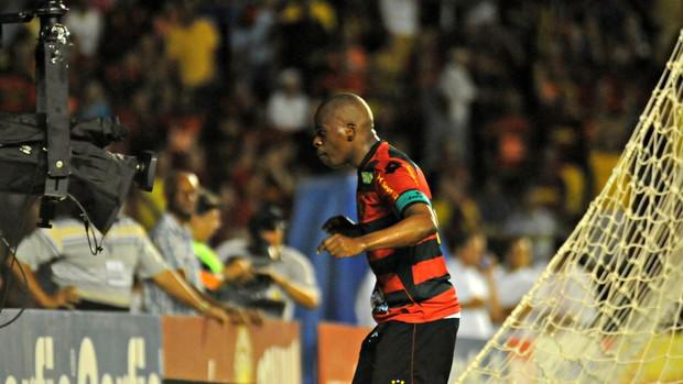 Tobi - Sport (Foto: Aldo Carneiro/Pernambuco Press)