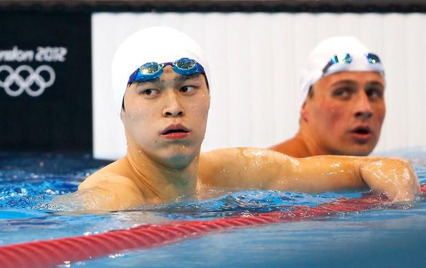 Yang Sun e Ryan Lochte na prova dos 200m livres em Londres (Foto: Reuters)