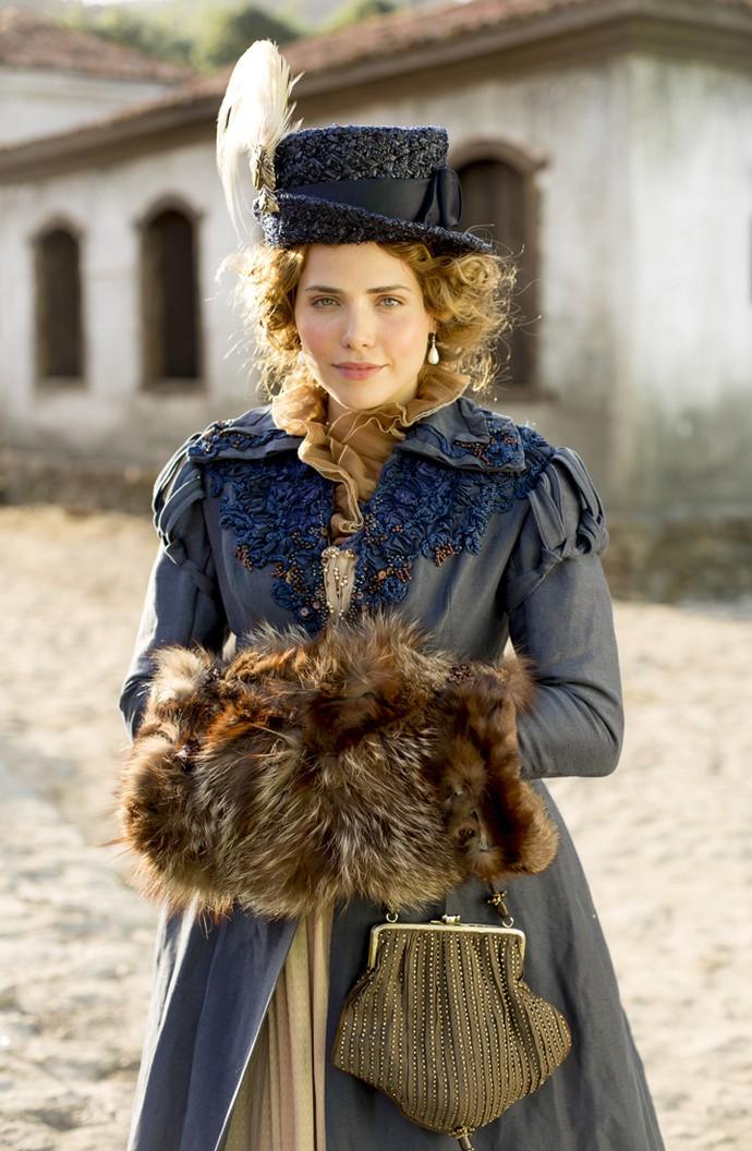 Como Leopoldina, Letícia Colin usará anáguas e numerosas peças de roupa (Foto: Ellen Soares/ Gshow)