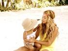 Beyoncé divulga fotos com a filha durante as férias