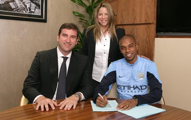 Fernandinho Manchester City contrato (Foto: Divulgação)
