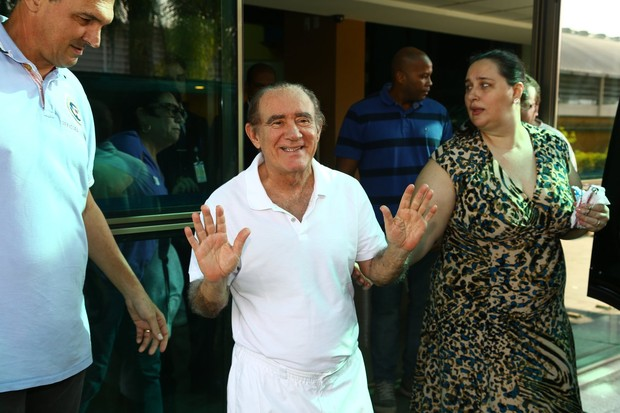 Feliz Aniversário Renato Irmão: Renato Aragão Deixa Hospital No Rio: 'Coração Novo