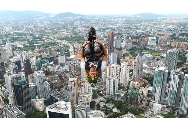 Malachi Templeton base jump Malásia  (Foto: AFP)