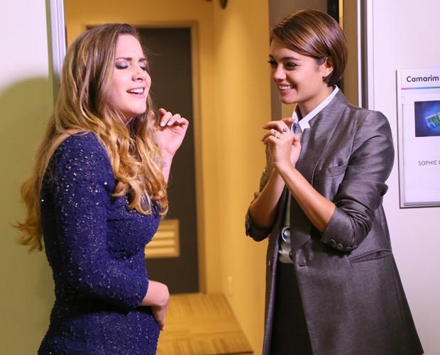 Sophie Charlotte se emociona com amiga cantora nos bastidores do Domingão (Foto: Isabella Pinheiro/ Gshow)