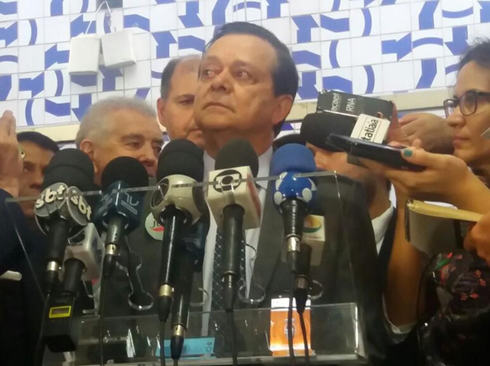 Líder do PTB, Jovair Arantes, durante entrevista no Salão Verde da Câmara dos Deputados (Foto: Bárbara Nascimento/G1)