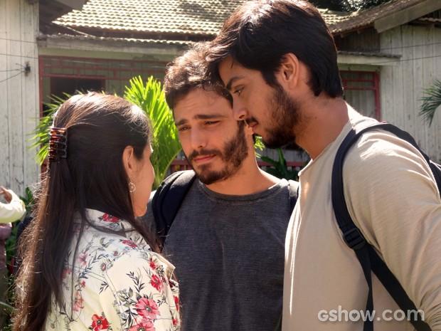 Sandra diz que se orgulha de ter criados os dois sobrinhos e perdoa Marlon (Foto: Além do Horizonte/TV Globo)