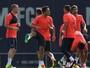 Adriano deixa o Barcelona e acerta com o Besiktas por três temporadas