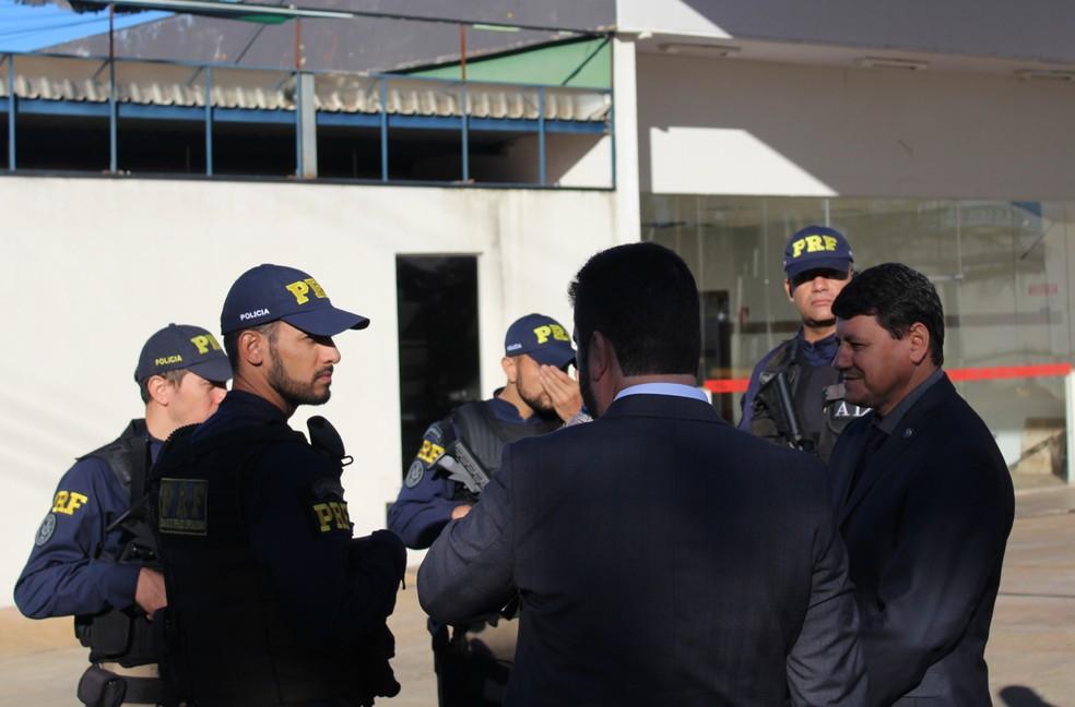 Operação da PF de Uberlândia foi realizada em conjunto com a PRF e auditores da CGU (Foto: Caroline Aleixo/G1)