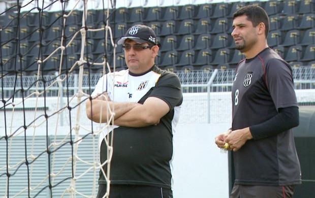 Guto Ferreira William treino Ponte Preta (Foto: Carlos Velardi / EPTV)