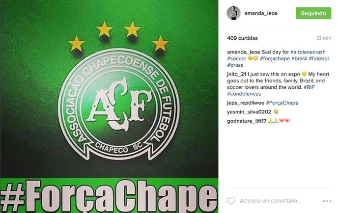 Amanda Nunes Chapecoense (Foto: Reprodução / Instagram)