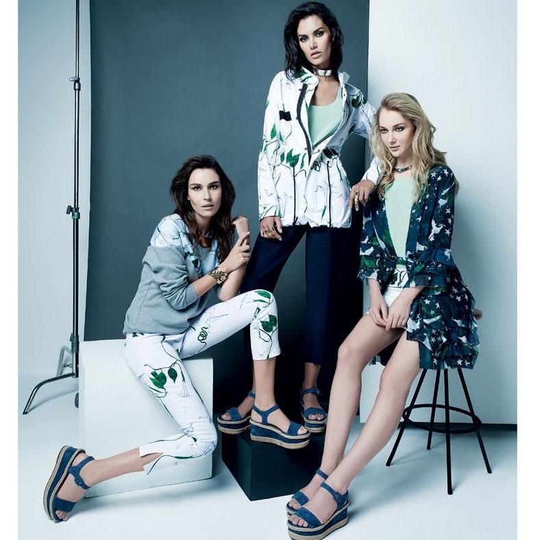 Foto de Renata Chede para a edição de dezembro de 2014 da Vogue Brasil, que mostrou a nova fase da marca, com peças lisas e estampas discretas (Foto: Divulgação)