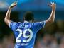 Eto'o brilha, e Chelsea vence o Schalke