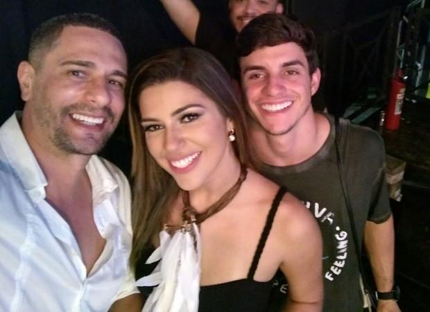 Daniel com o casal Vivian e Manoel (Foto: Divulgação)
